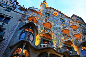Experimental Barcelona: Experiential Travel for Education, Creative Tourism and Wellbeing